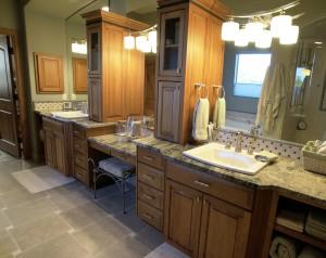 Split sinks and custom granite in master bath