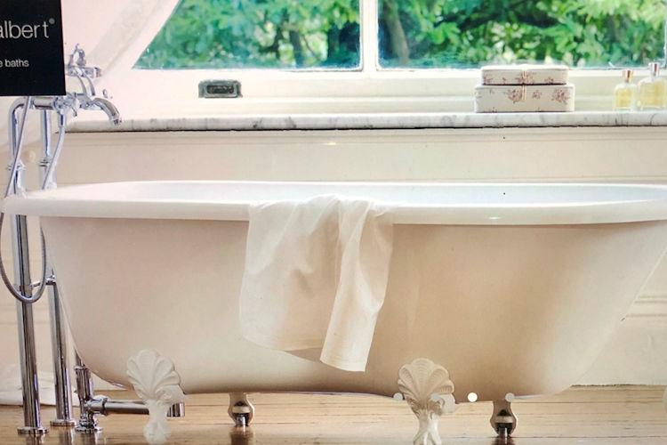 leemichaelhomes-new-home-bathtub