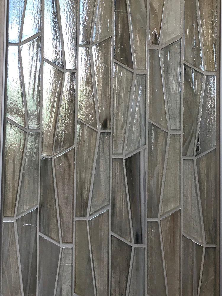 leemichaelhomes-new-home-glass-tile