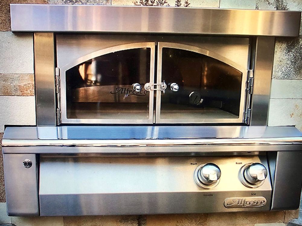 leemichaelhomes-new-home-pizza-oven