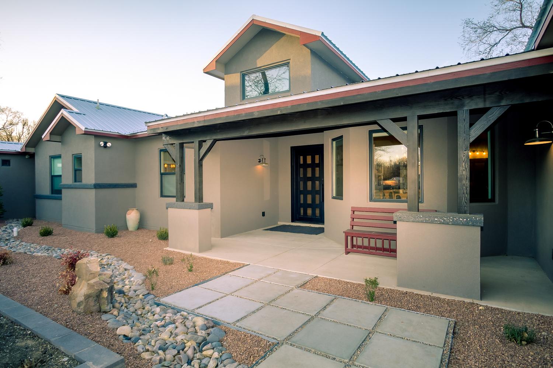 north-valley-contemporary-craftsman-home